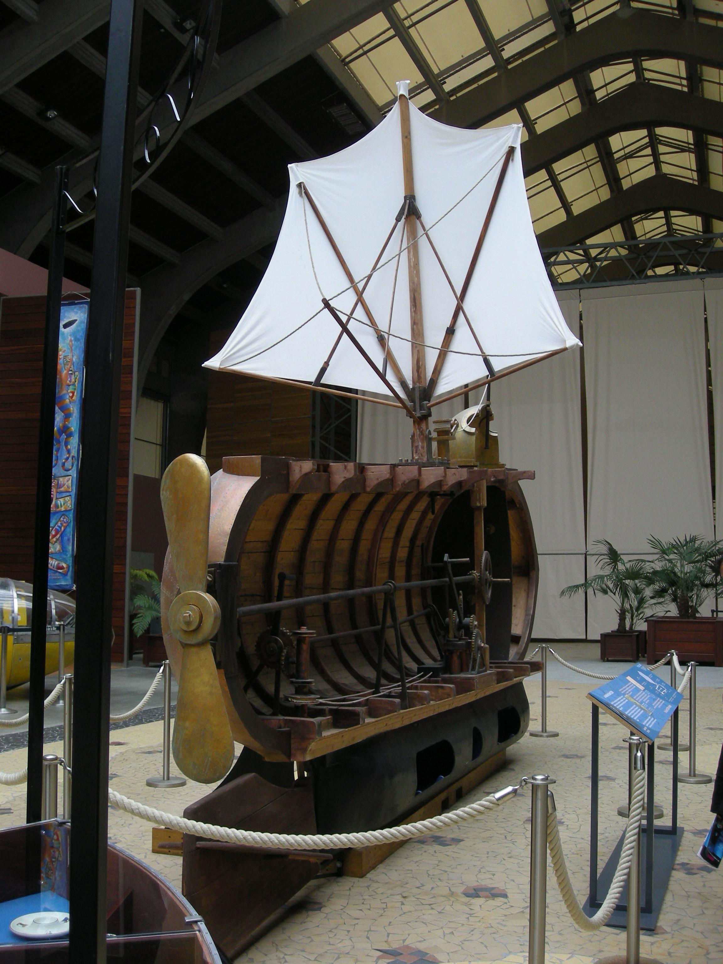 Full-sized section model of Nautilus; Courtesy - Wikimedia